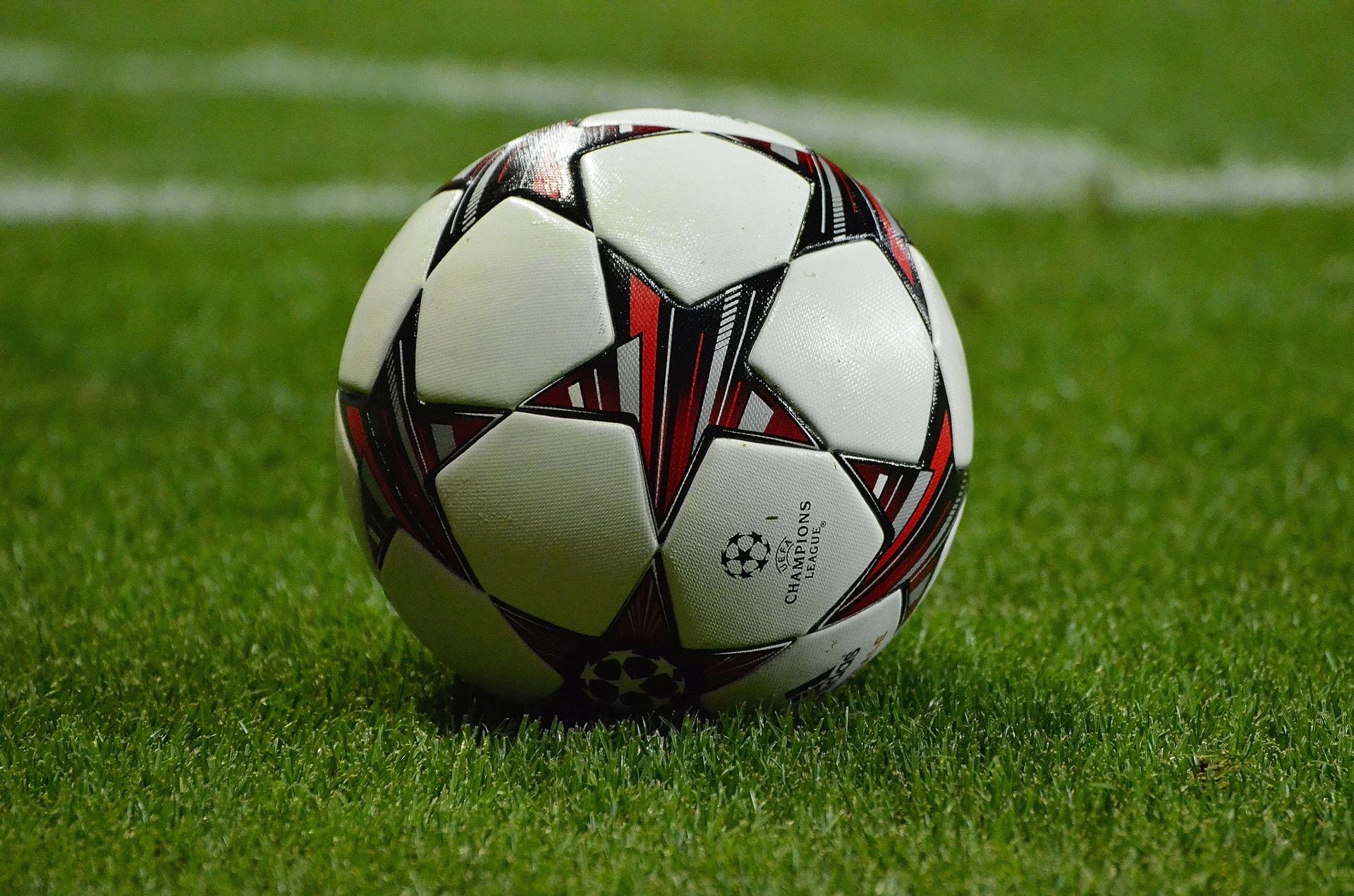 70+ Status, những câu nói hay về tình yêu bóng đá chất