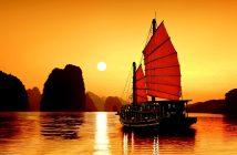 xem ảnh thuyền buồm trên biển