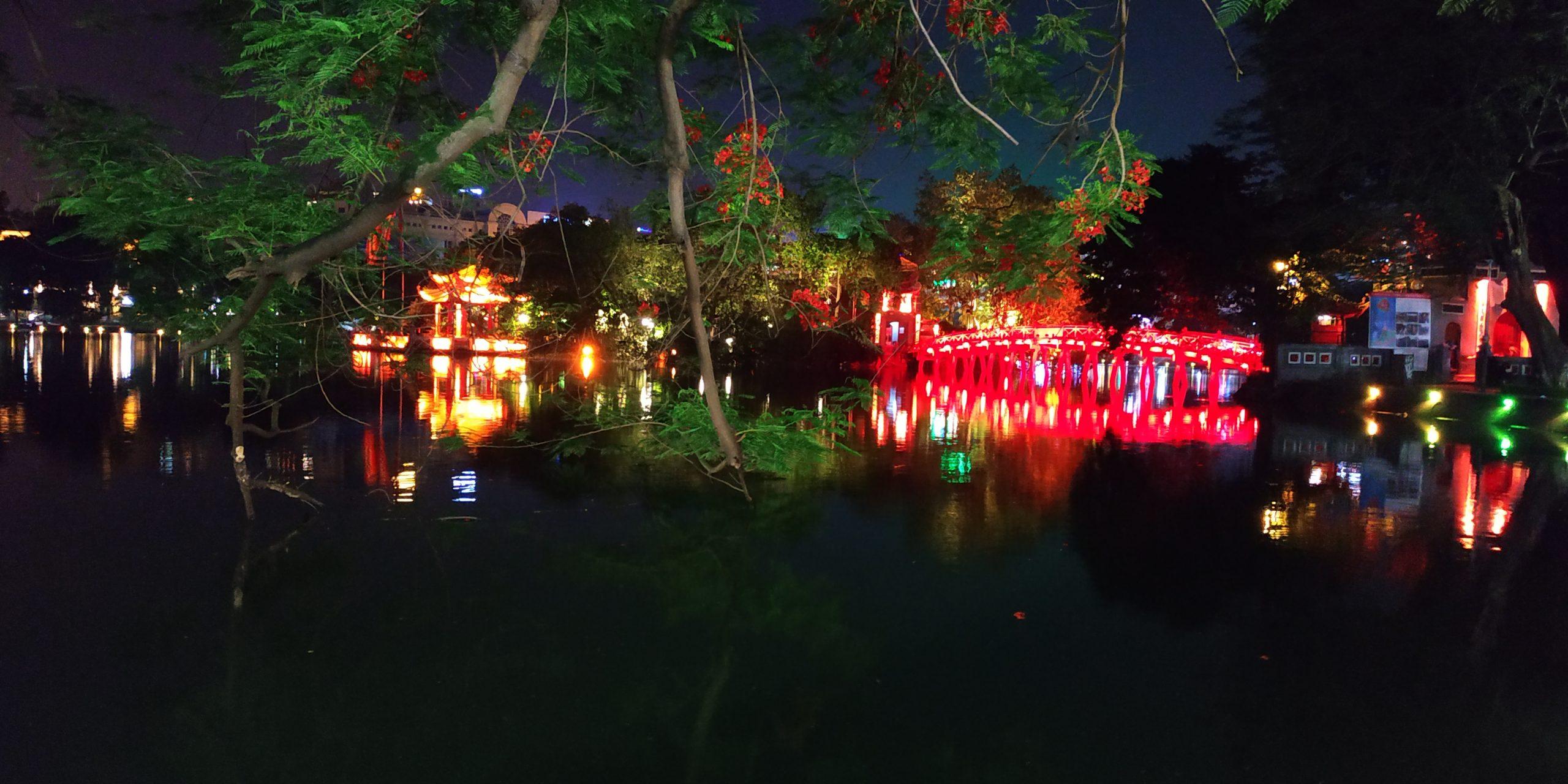 Hình ảnh Hồ Gươm về đêm